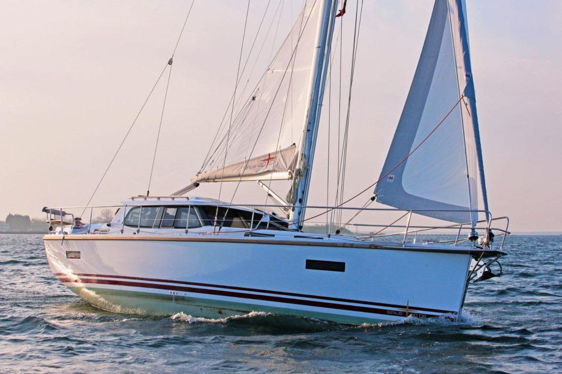 Sirius 40 DS sailing