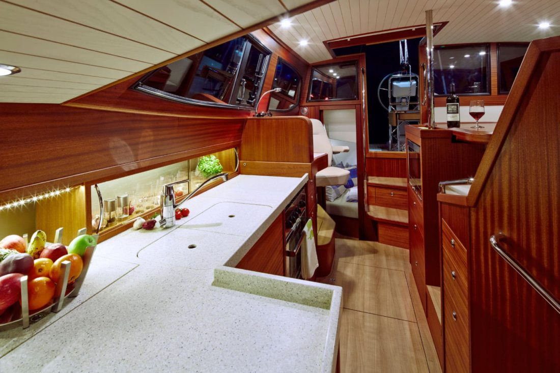 Sirius 40 DS galley