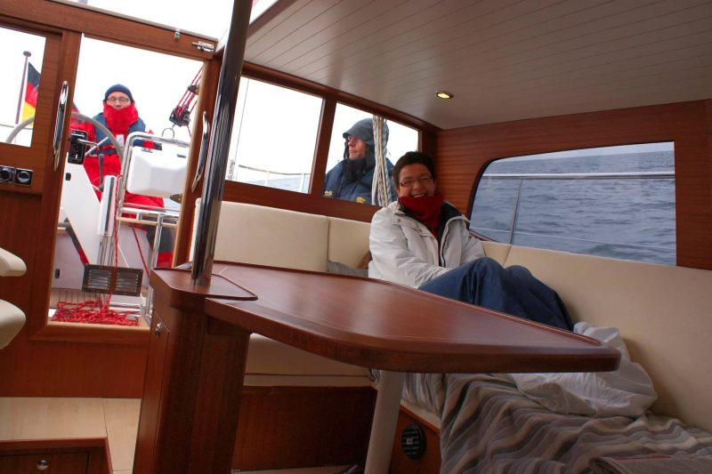 Sirius Yachts - On a deck saloon yacht you can sit in the saloon with the heating on